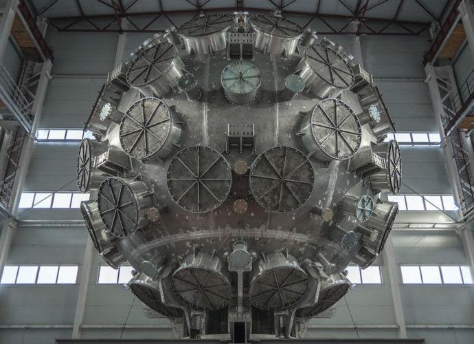 Лазерная установка нового поколения создана в Сарове.