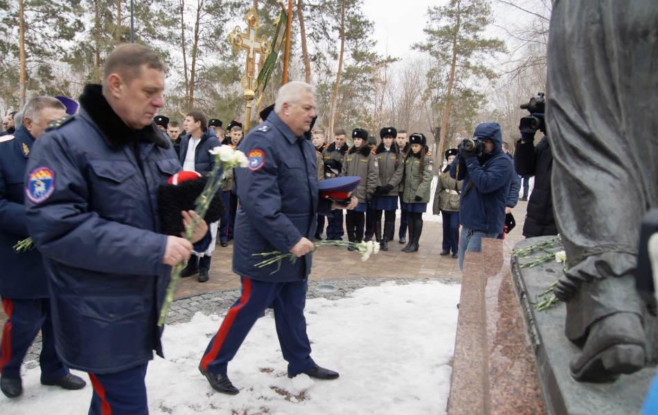 450-летие служения донских казаков отмечают в Волгоградской области.