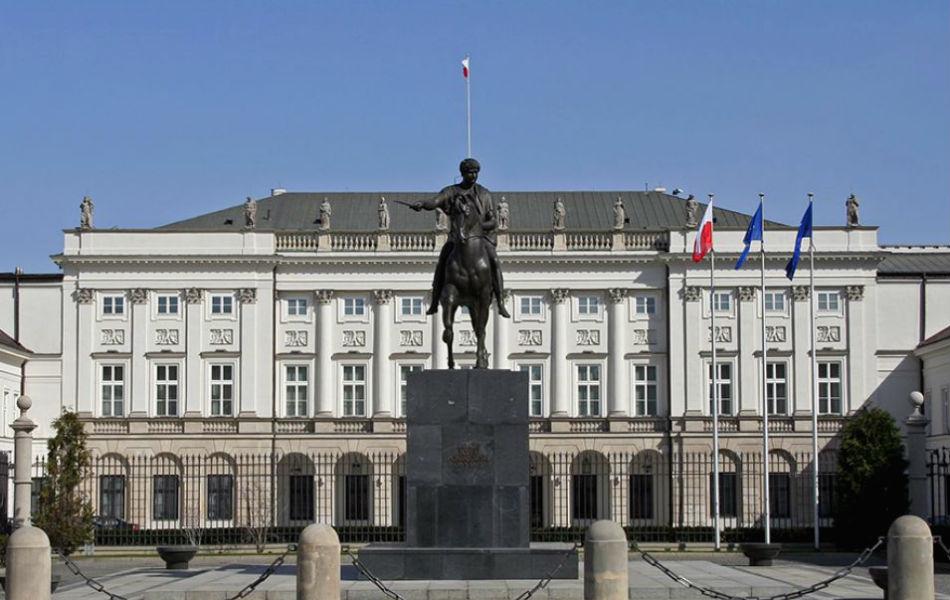 """Польша создала """"спецгруппу"""" за контролем выступлений президента России."""