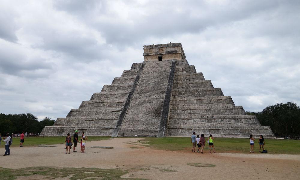 Религия и её влияние на бизнес. Пирамида в Мексике.