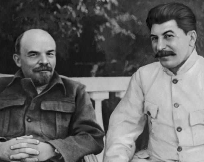 Владимир Ленин и Иосиф Сталин.