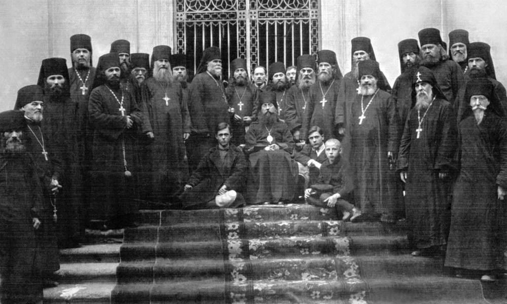 Братия Александро-Невской лавры в Санкт-Петербурге, 1927 год.