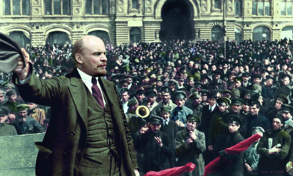 Владимир Ленин на Митинге.