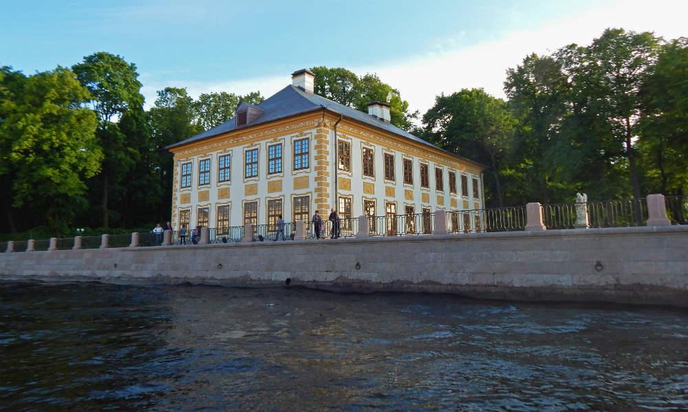 Летний дворец в Санкт-Петербурге.