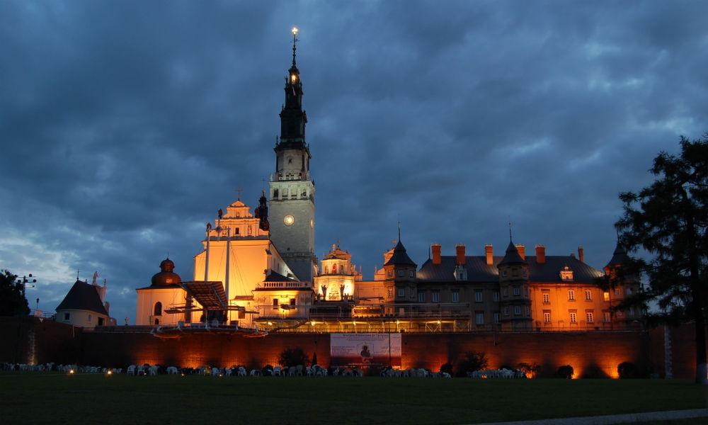 Образ Ченстоховской Богоматери и монастырь на Ясной горе.