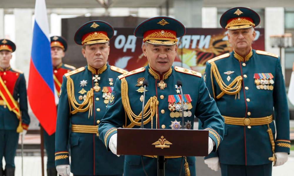 Военная академия провела вручение дипломов 9 мая.