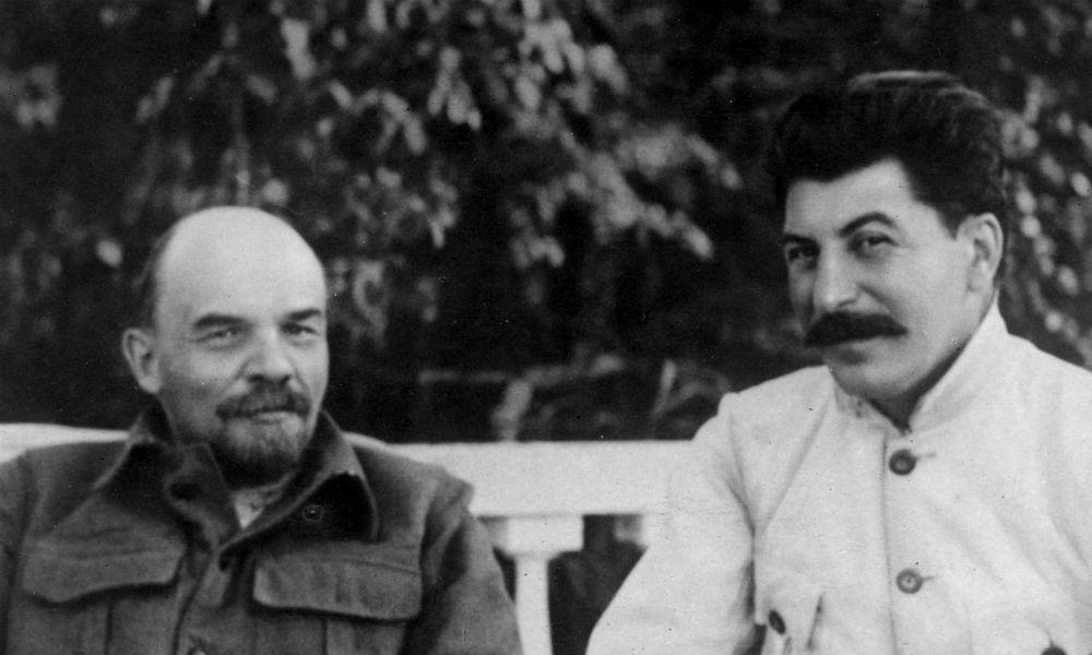 Иосиф Сталин и Владимир Ленин.