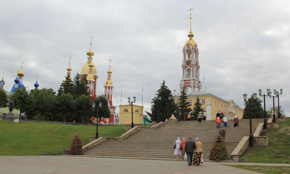 Тамбов. Вид на Казанский мужской монастырь с набережной города.