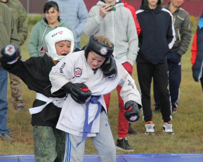 В Мичуринском районе прошли соревнования по смешанным единоборствам.
