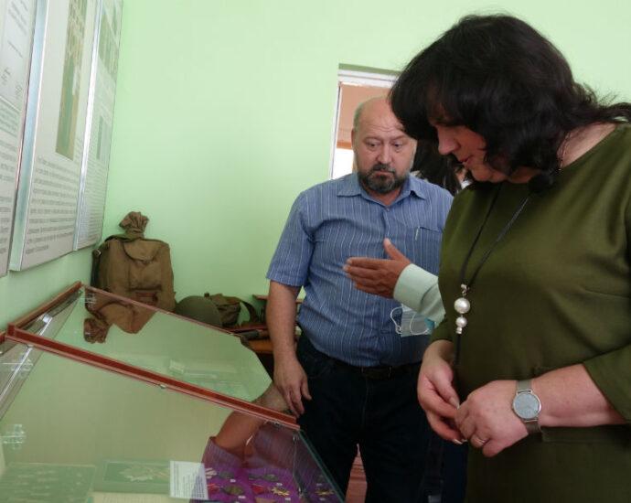 """Выставка """"Бессмертный подвиг земляков"""" открылась в городе Мичуринске Тамбовской области."""