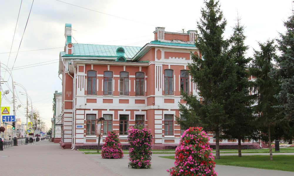 Главное здание музыкального института имени Сергея Рахманинова в городе Тамбове.