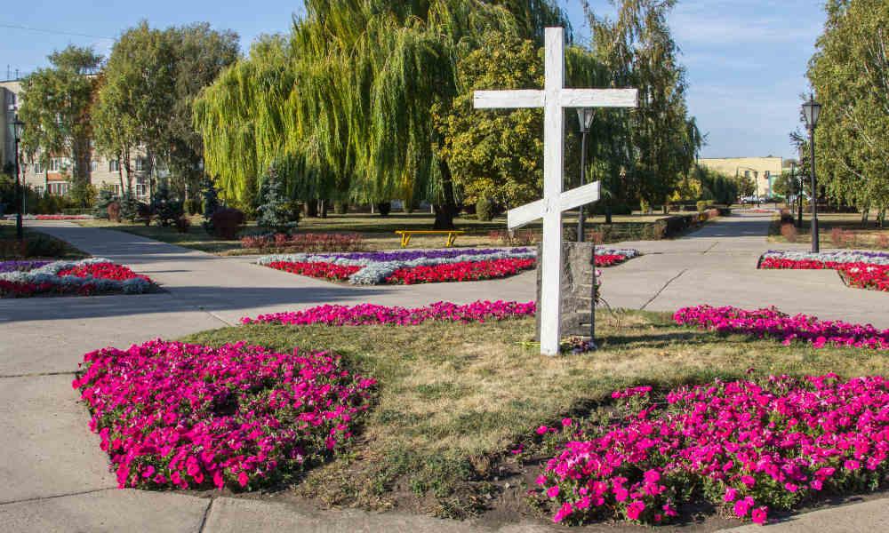 Успенская площадь в Тамбове. Поклонный крест.
