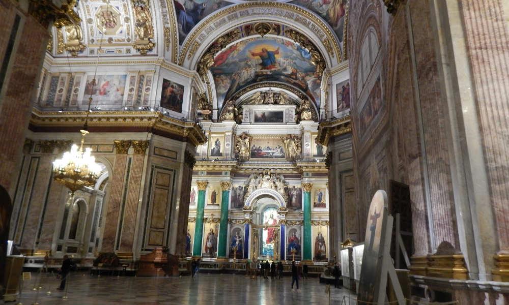 Исаакиевский собор в Санкт-Петербурге. Внутри собора.