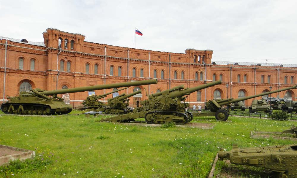 Военно-исторический музей артиллерии, инженерных войск и войск связи в Санкт-Петербурге.