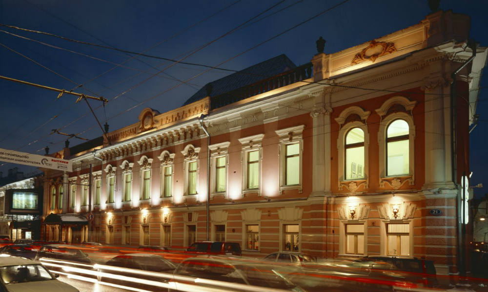 Выставочные залы Российской академии художеств.